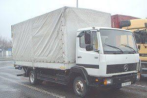 Φορτηγό μεταφορών - μετακομίσεων.
