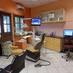 Αίθουσα εξέτασης οδοντιατρείου.