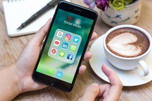 Σχόλια και κριτικές στα social media